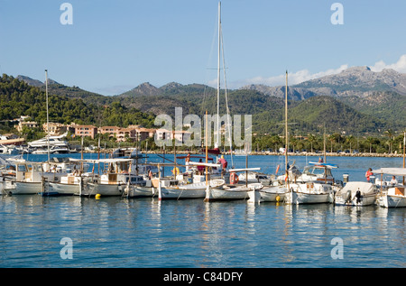 Puerto d'Andratx, Port, moored vessels in a line at the end of the day - Stock Image