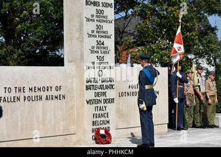 Northolt, London, UK. 1st September, 2018. HRH Prince Edward - The Duke of Kent, laying a wreath at the monument of Polish airmen. The Annual Commemoration of Fallen Polish Airmen will take place on Saturday, 1st September 2018 at the Polish Air Force Memorial, Northolt. Credit: Marcin Libera/Alamy Live News - Stock Image