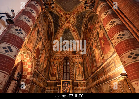 Italy Piedmnt Turin Church of San Domenico -Prospect of the Cappella delle Grazie, with the 16th century icon depicting the Virgin and Child with Saints John the Baptist and Gabriel - Stock Image