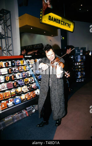 NIGEL KENNEDY English violinist at HMV, Oxford Street,London, about 1990 - Stock Image