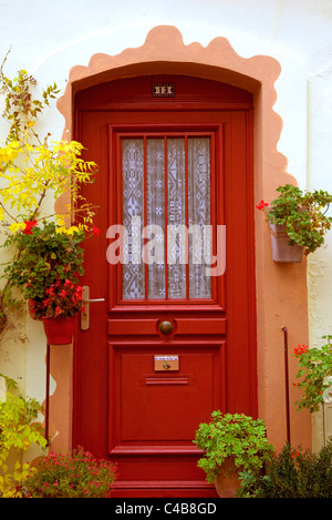 Arles; Bouches du Rhone, France; A typical brightly coloured door found in southern France - Stock Image