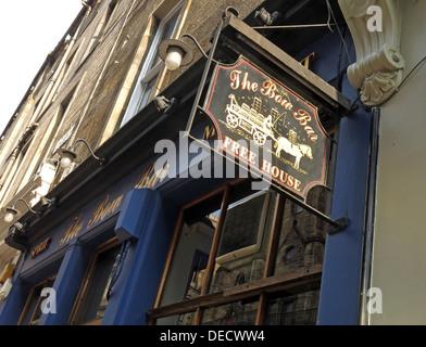The Bow Bar exterior, Victoria Street, Edinburgh, Scotland, UK - Stock Image