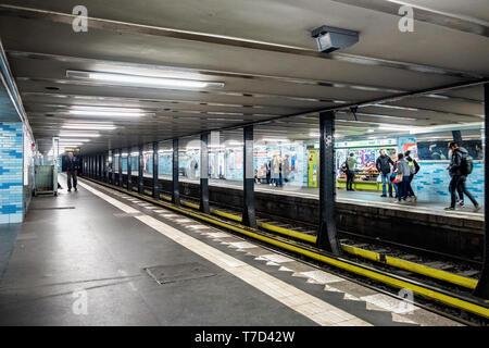 Ernst Reuter Platz U-bahn station Interior. Underground railway network of Berlin. - Stock Image