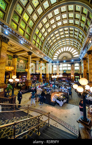 The elegant Grand Concourse Restaurant is housed in the former Pittsburgh and Lake Erie Railroad Station in Pittsburgh, Pennsylvania, USA - Stock Image
