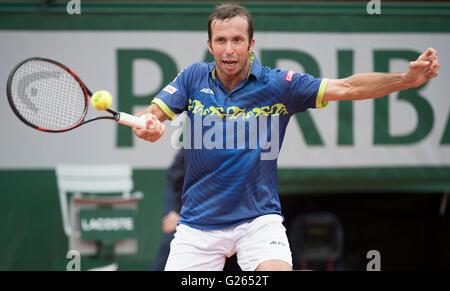 Paris. 24th May, 2016. Radek Stepanek (CZE) loses to Andy Murray (GBR) 3-6, 6-0, 6-3, 7-5, at the Roland Garros - Stock Image