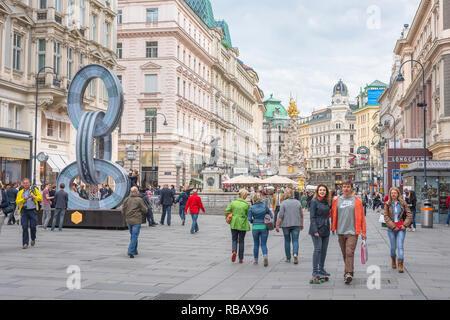 Graben Vienna, linking Stephanplatz with the upmarket Kohlmarkt, the Graben is one of the grandest thoroughfares in Vienna, Austria. - Stock Image
