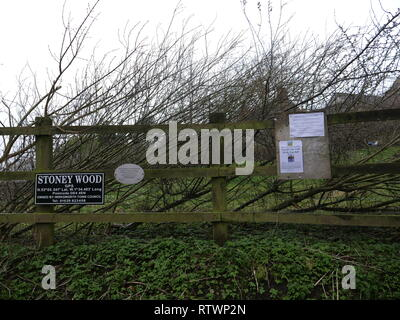 Stoney Wood, Wirksworth, Derbyshire Dales, UK. 03rd March, 2019. Sign at local beauty spot Stoney Woods saying Stop The Traveller Invasion after Derbyshire Dales District Council try relocating a GRT Travellers camp on disputed land adjacent to Stoney Wood, Wirksworth, Derbyshire Dales. Wirksworth Town Council are seeking legal advise to try & protect the trees, rare wild orchids & other wildlife in and around this Sight of Special scientific Interest. Credit: Doug Blane/Alamy Live News - Stock Image