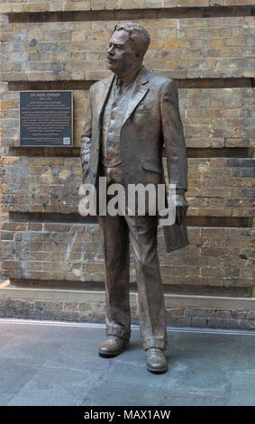 Sir Nigel Gresley Statue, Kings Cross, London - Stock Image