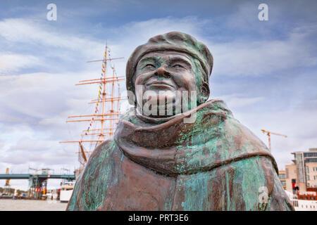 14 September 2018: Gothenburg, Sweden - Sculpture of Evert Taube in the Lilla Bommen district. - Stock Image