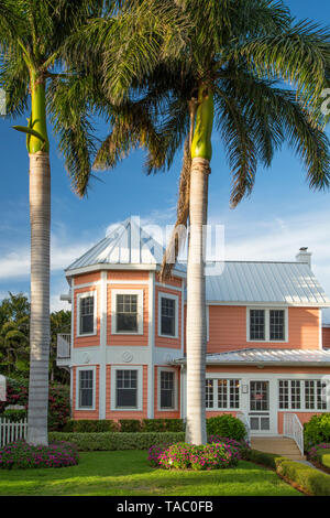 Cottage home in historic Naples, Florida, USA - Stock Image