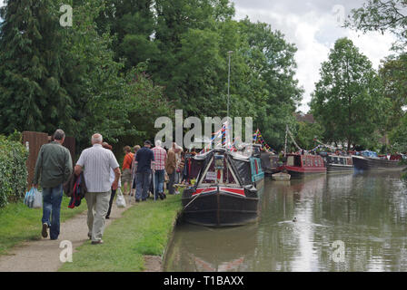 Crowds of people at the Blisworth Canal Festival, Northamptonshire, UK; it started off as a boat show but has expanded to cover other village events - Stock Image