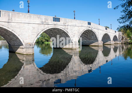 Chertsey Bridge and River Thames, Chertsey Bridge Road, Chertsey, Surrey, England, United Kingdom - Stock Image