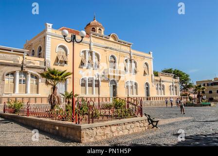 Escola Preporatoria Jorge Barbosa of Mindelo at Sao Vicente Island at the Cape Verde Archipelago. - Stock Image