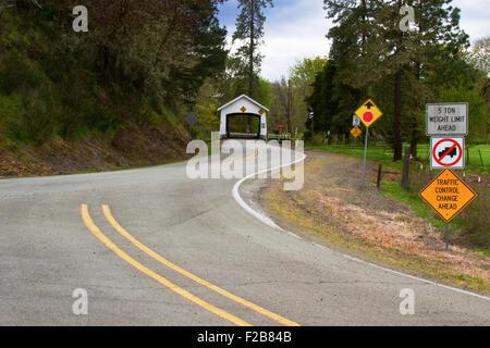 Rochester Covered Bridge in Sutherlin, Oregon, USA - Stock Image
