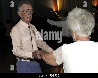 older couple square dancing- Bowie, Md - Stock Image