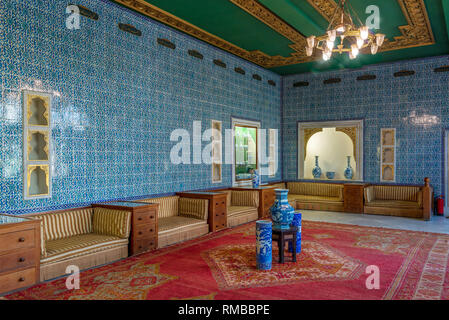 Manial Palace of Prince Mohammed Ali. Blue tiled hall at the residence of the prince's mother with Turkish floral blue pattern ceramic tiles - Stock Image