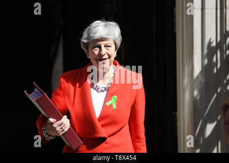 Prime Minister Theresa May leaves 10 Downing Street, London, for the House of Commons for Prime Minister's Questions. - Stock Image
