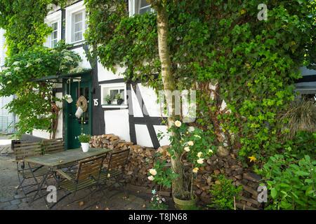Deutschland, Nordrhein-Westfalen, Wetter (Ruhr), Freiheit Wetter, altes Fachwerkhaus - Stock Image