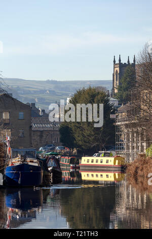 Boats moored at the wharf, Sowerby Bridge, West Yorkshire - Stock Image