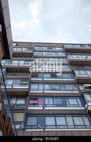 Perronet House Council Block on Elephant and Castle Roundabout, Lonodn UK - Stock Image