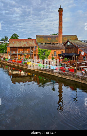 Stratford upon Avon and Cox's Yard former timber mill, now a pub, on the banks of the River Avon in Warwickshire - Stock Image