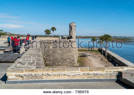 The main watch tower and a cannon at the Castillo de San Marcos, a Spanish fortification at St. Augustine, Florida USA - Stock Image