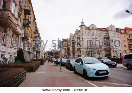 Poznan, Poland - March 8, 2019: Row of parked cars including Citroen on the Slowackiego street in the city center. - Stock Image