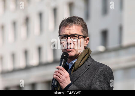 Nicky Campbell speaking at a stop trophy hunting and ivory trade protest rally, London, UK. Television presenter and journalist. - Stock Image