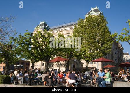 Switzerland Zuerich lake promenade people Pumpy bar street cafe - Stock Image