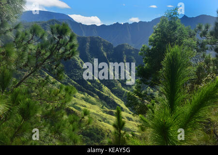Kealia hike - North Shore, Oahu, Hawaii - Stock Image