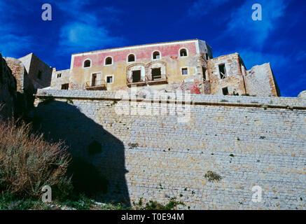 Ramparts surrounding Ibiza old town, Dalt Vila, Elvissa, Balearic islands, Spain - Stock Image