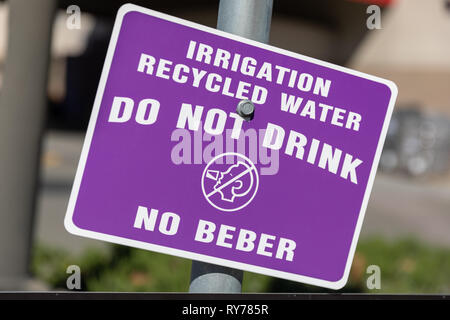 'Irrigation – Recycled Water – Do Not Drink – No Beber', sign; California, USA - Stock Image