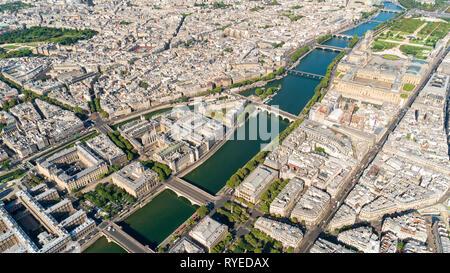 Aerial view of Ile de la Cité Paris France with the Louvre - Stock Image