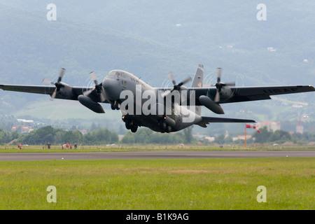 USAAF Hercules taking off, Airshow Maribor 2008, Slovenia June 15, 2008 - Stock Image
