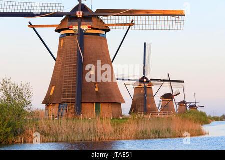 Traditional Dutch windmills, Kinderdijk, UNESCO World Heritage Site, Molenwaard, South Holland, The Netherlands, Europe - Stock Image