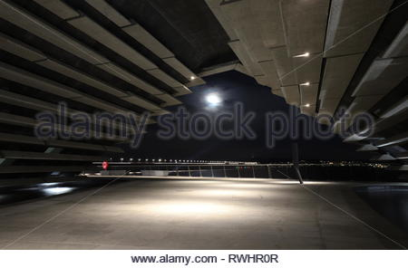 Moon and V&A Design Museum by night Dundee Scotland  February 2019 - Stock Image