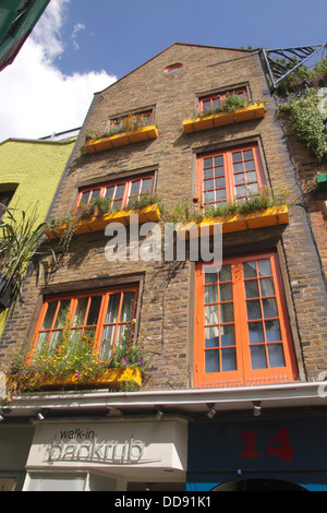 Backrub Massage in Neal's Yard Covent Garden London - Stock Image