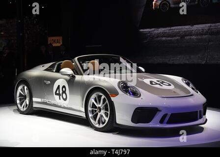 New York, NY, USA. 17th Apr, 2019. Porsche 911 in attendance for New York International Auto Show - WED, Jacob K. Javits Convention Center, New York, NY April 17, 2019. Credit: Kristin Callahan/Everett Collection/Alamy Live News - Stock Image