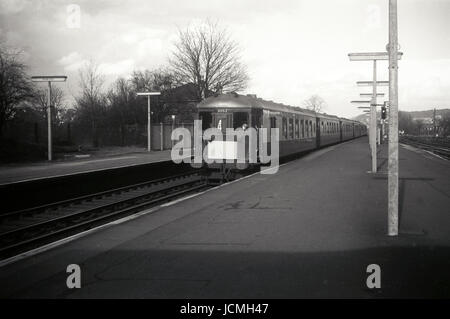 The Brighton Belle Speeds Through Purley Station - Stock Image