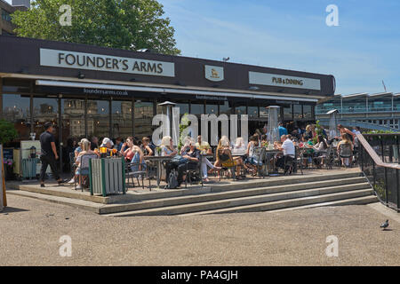 founders arms pub london - Stock Image