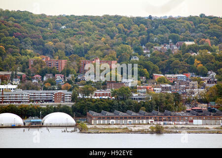 View of Hastings-on-Hudson, NY from the New Jersey Palisades - Stock Image