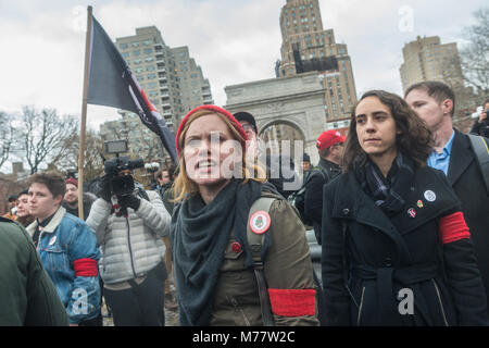 - New York, NY, USA. 8March 2018 Women activists and Democratic Socialists rallied in Washington Square Park for - Stock Image