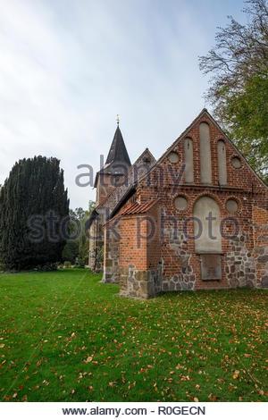 The St.-Johannes-der-Täufer Evangelische (Protestant) Kirche in Bexhövede, Landkreis Cuxhaven, Germany - Stock Image