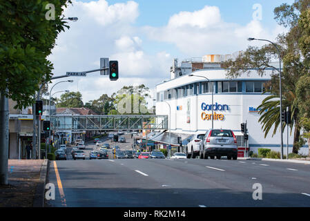 Looking south to the Gordon Centre shopping mall at 802-808 Pacific Hwy, Gordon NSW 2072, Australia - Stock Image