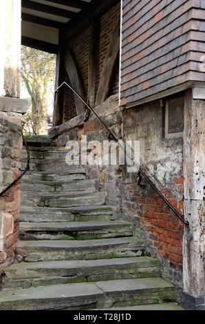 Bears Steps Shrewsbury in one of the oldest parts of the town under a timber framed arch Shropshire England UK - Stock Image
