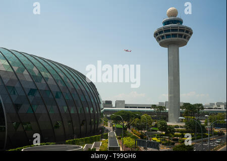 18.04.2019, Singapore, , Singapore - View of the new Jewel Terminal with the Tower at Changi Airport. 0SL190418D013CAROEX.JPG [MODEL RELEASE: NOT APPL - Stock Image