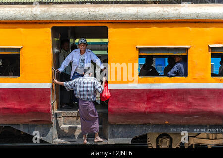 Passengers on the Circular train in Yangon Myanmar (Burma) - Stock Image