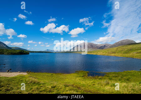 Lough Inagh in the Connemara National Park, County Galway, Connacht, Republic of Ireland, Europe - Stock Image