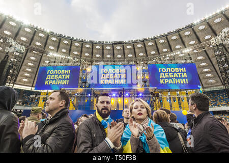 April 19, 2019 - Kiev, Kiev, Ukraine - Public in the debate between the candidates for the Presidency of Ukraine, Petro Poroshenko and Volodymyr Zelenskiy at the Olympic National Sports Stadium in Kiev. (Credit Image: © Celestino Arce Lavin/ZUMA Wire) - Stock Image