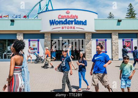 canada's wonderland gift shop - Stock Image